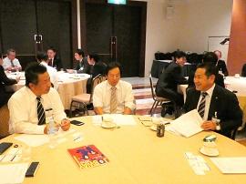 「地域で育てた若者を地域に残そう」~呉支部と東広島支部が高校の先生方と経営者との懇談会を開催