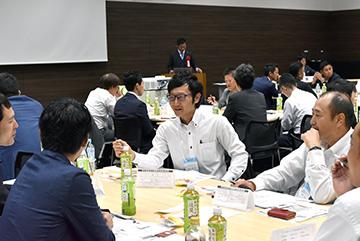 青年経営者中四国交流会を広島で開催、中四国を中心に453名の参加者で学び合いました